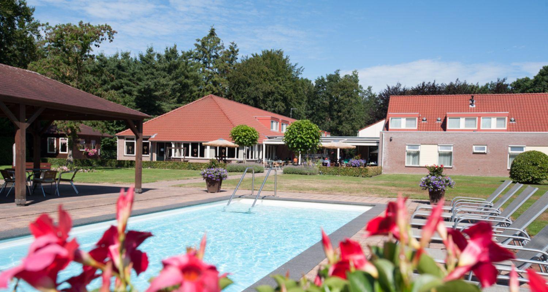 Zwembad seniorenhotel de Postelhoef